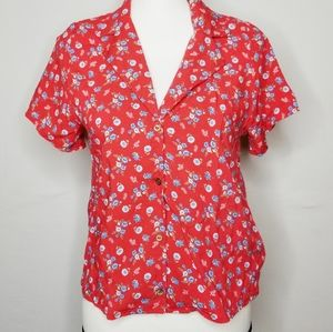 FREE KISSES FLORAL BLOUSE NWT